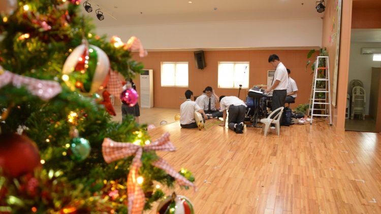 Berbagi Kasih Dalam Acara Natal