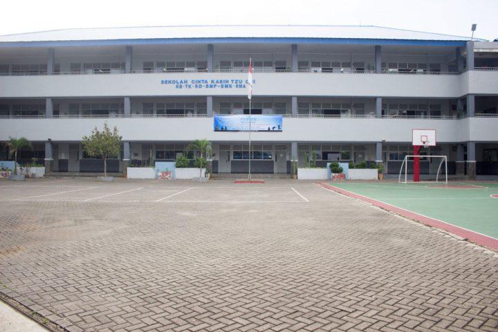 Lapangan Outdoor Sekolah
